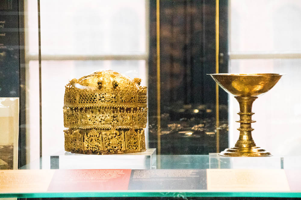 Golden Crown & Chalice, V&A Museum, Maqdala exhibition